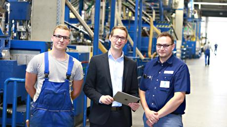 Zleva doprava: Trainee Nick Lein, vedoucí výroby Fabian Schultes, instruktor Marco Hövermann
