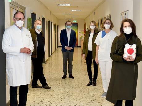 Spendeübergabe im Herz-Jesu-Krankenhaus in Münster-Hiltrup